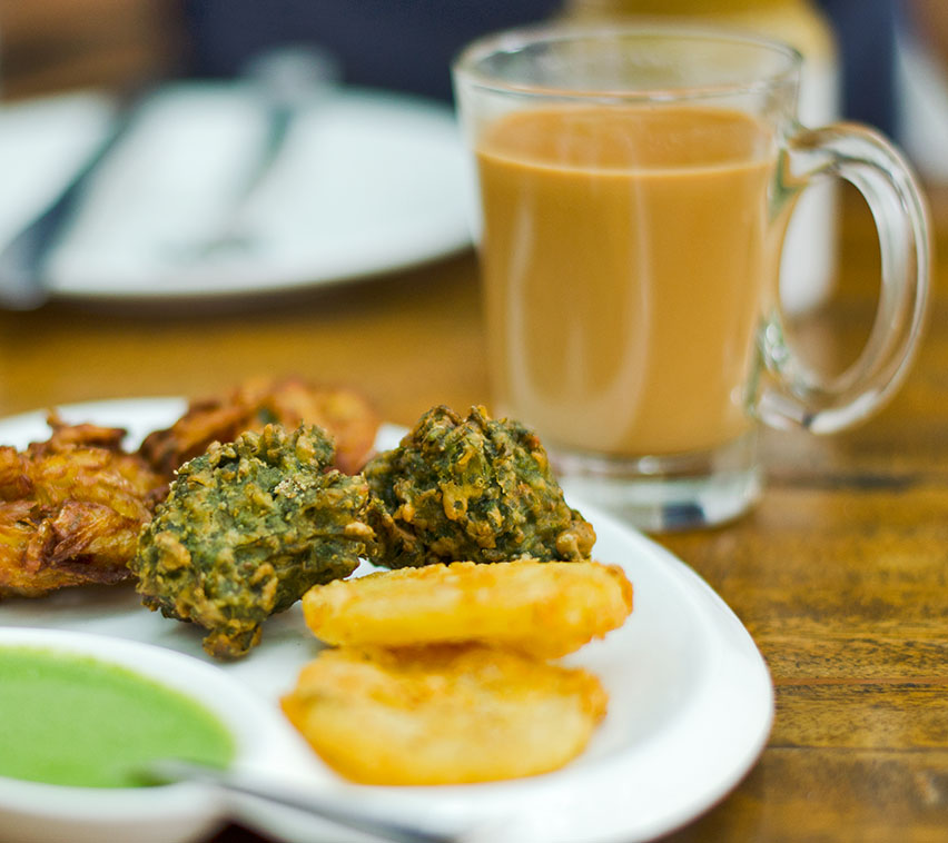 Chai Pakora at Triveni Cafe_kyaakarein copyright
