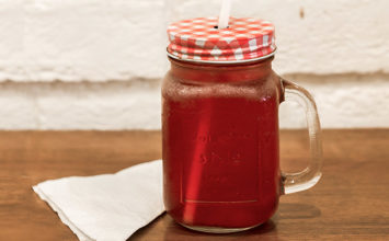 Make Your Own Cranberry Iced Tea at Home!