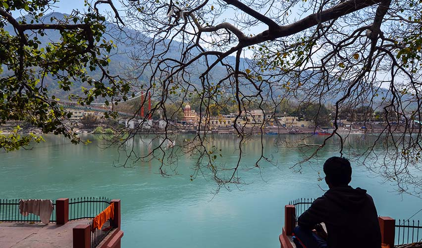 Mornings at Ram Jhula Ghat_kyaakarein copyright
