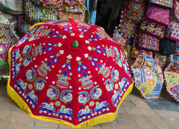 Breathtaking handcrafted umbrellas @ Janpath